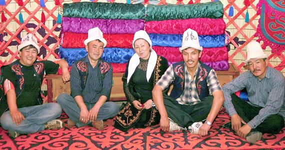 キルギス 人